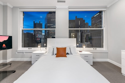 . Global Luxury Suites Downtown Pittsburgh