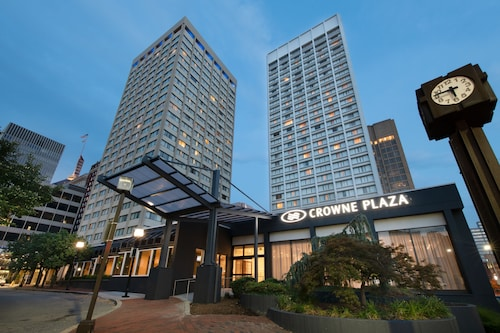 . Crowne Plaza Baltimore - Inner Harbor