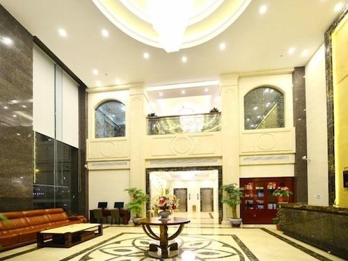 GreenTree Inn Wuxi Xidong Xincheng High Speed Rail East Station Hotel, Wuxi