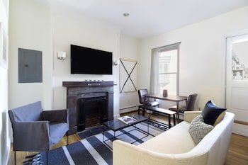 Playful South End Suites by Sonder