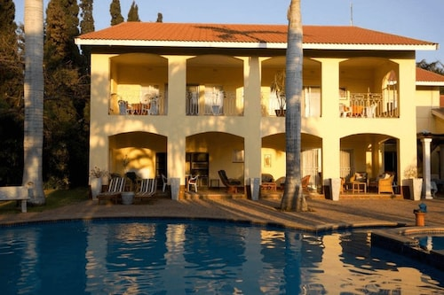 Loerie Lodge Guest Houses, Mopani
