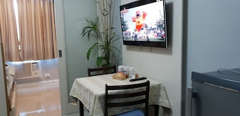 LA VISTA AT SEA RESIDENCES In-Room Dining