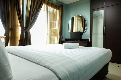 1 BR Thamrin Residence City View By Travelio, Jakarta Pusat