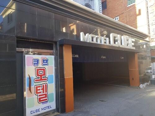 Cube Motel, Yeonje