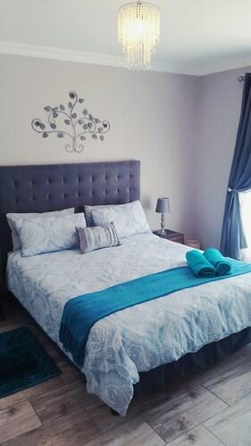 . JBay Holiday Apartment