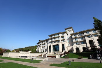 アドニスホテル (Adonis Hotel)