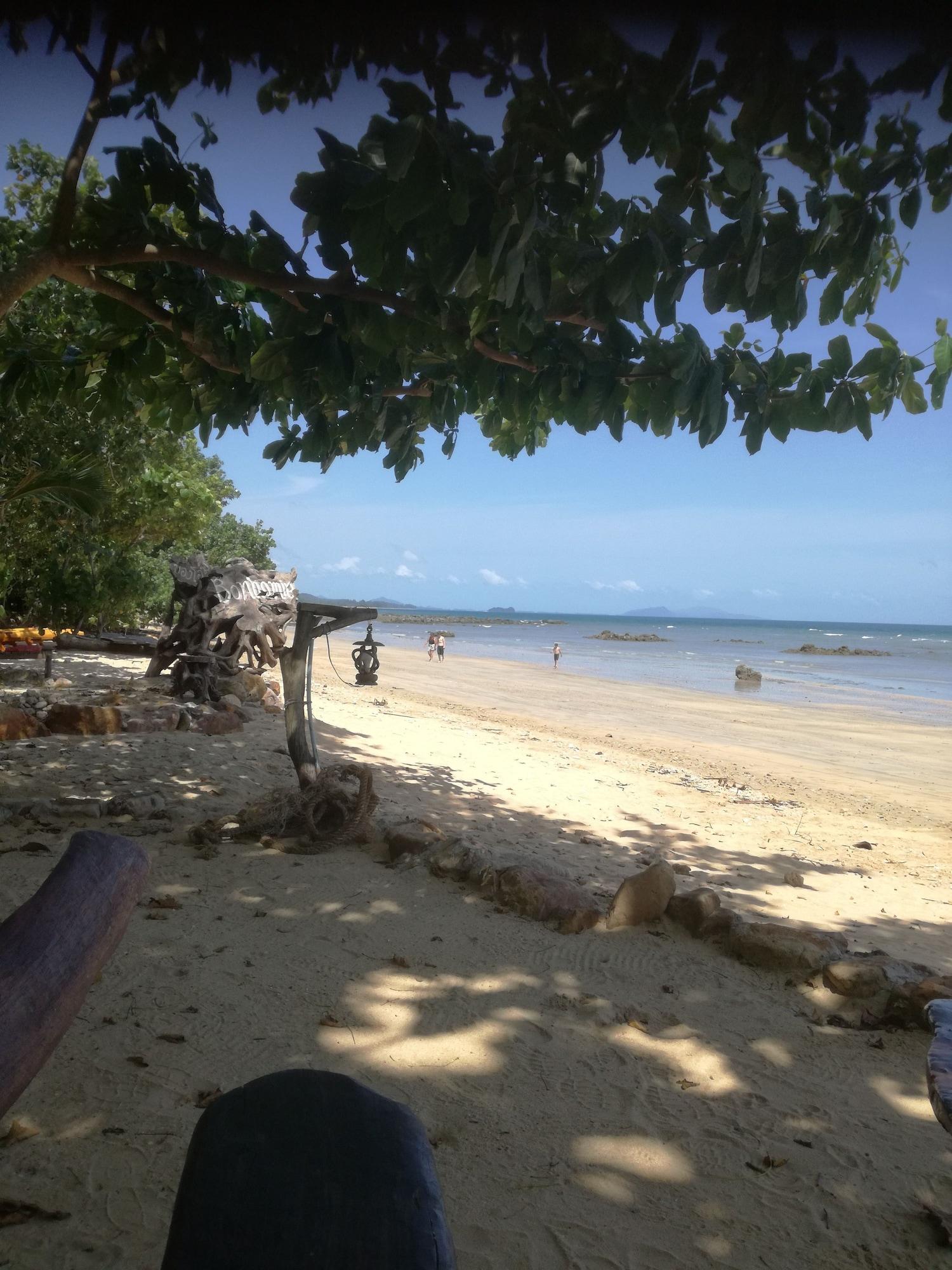 Bonhomie Beach Cottages, Nua Khlong