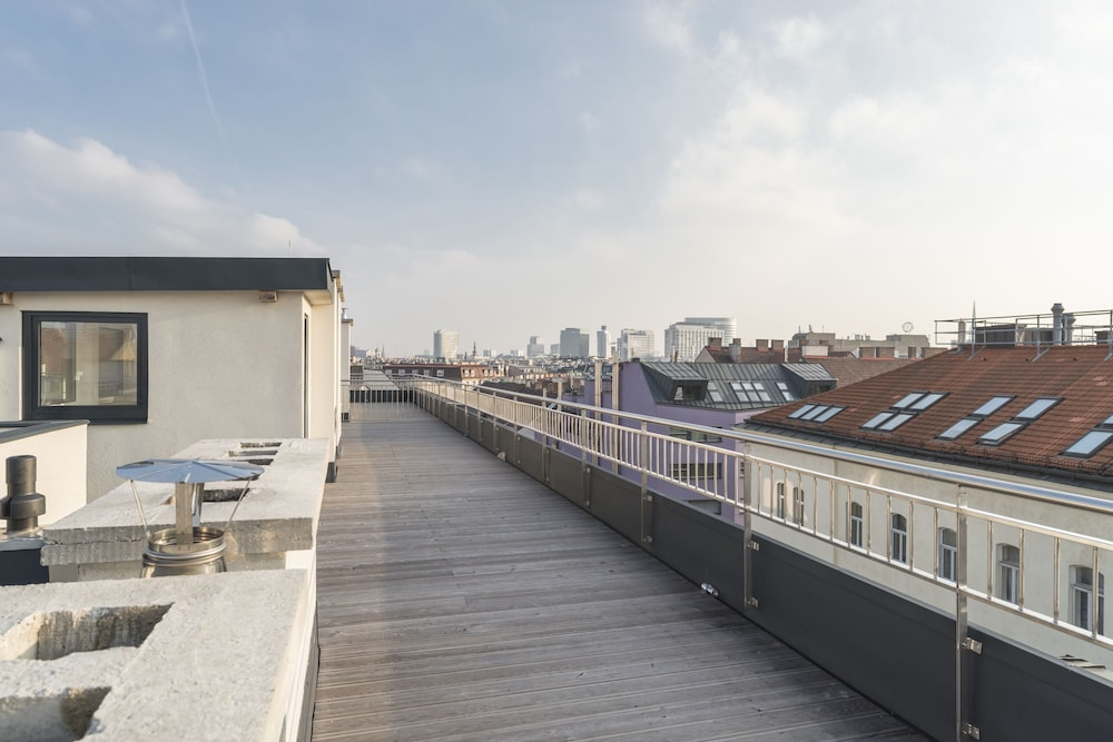 Schottenring Terrace by Welcome2Vienna