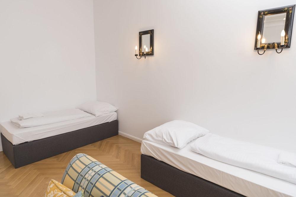 Palais Kronprinz Rudolf by Welcome2Vienna
