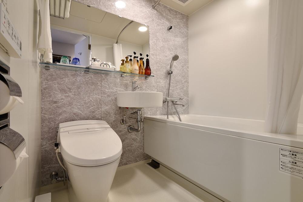 ホテルWBFグランデ博多/バスルーム