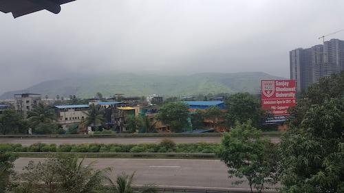 Hotel Mahalaxmi, Raigarh
