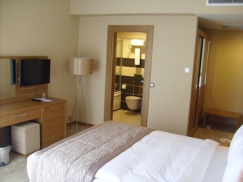 . Hotel Almina Park