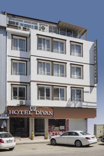 Hotel Divan, Merkez