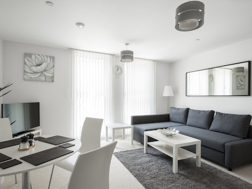 . Central View Apartment