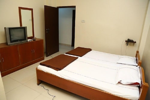 Sri Sai Krishna Deluxe Lodge, Hyderabad