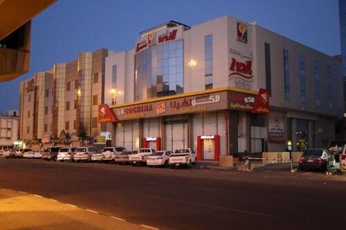 . Lazourd Palace Hotel Apartments