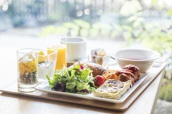 TOMOYA RESIDENCE HOTEL KYOTO NIJO TAKAKURA Breakfast Meal