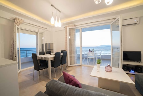 . Bella Mare Luxury Apartments
