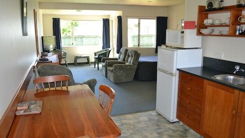 . Anatoki Lodge Motel