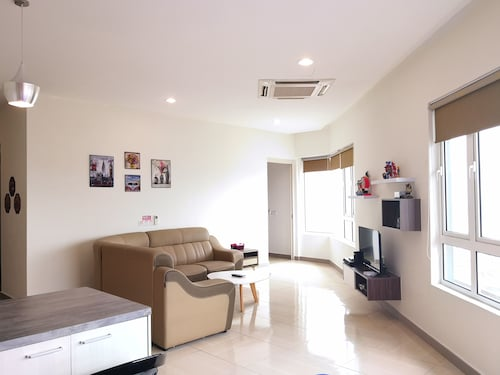 . Octagon 21 Guest House