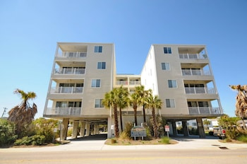 Featured Image at Ocean Breeze Luxury Villas by Elliott Beach Rentals in North Myrtle Beach