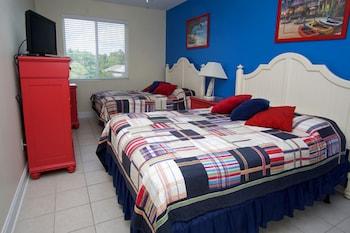 Guestroom at Ocean Breeze Luxury Villas by Elliott Beach Rentals in North Myrtle Beach