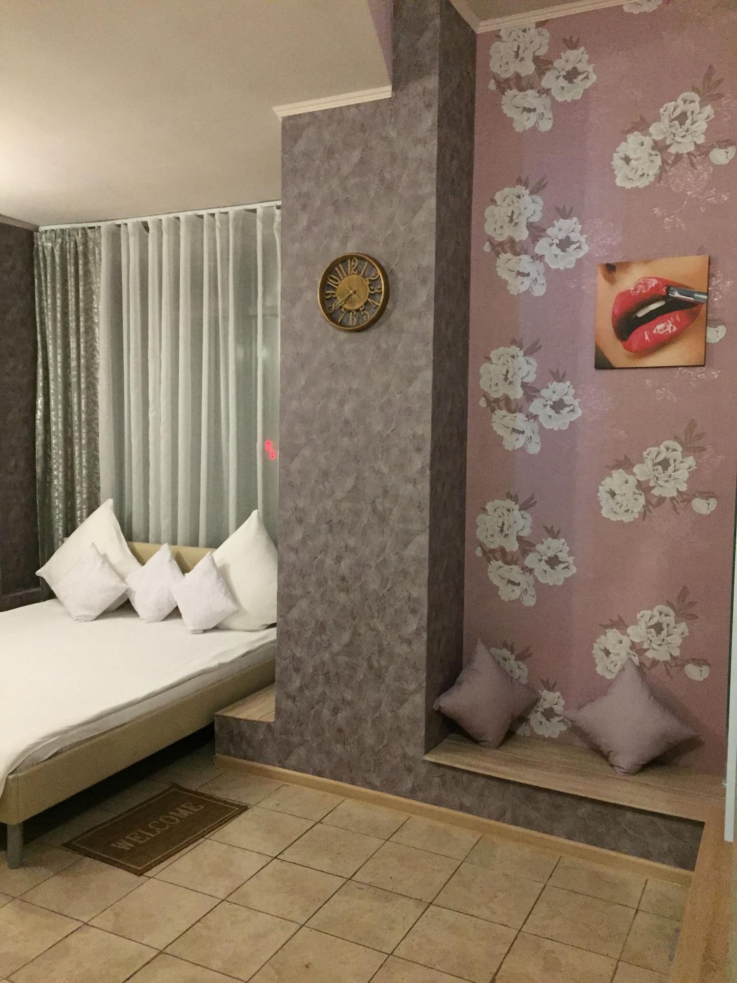 Khalva Hotel, Eastern