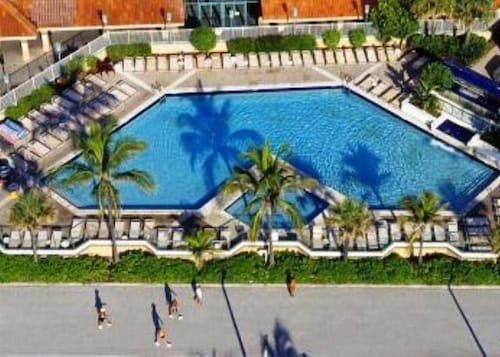 Hollywood Beach Resort- Petite Studio, Broward