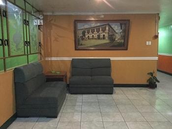 LA BREA INN Lobby Lounge