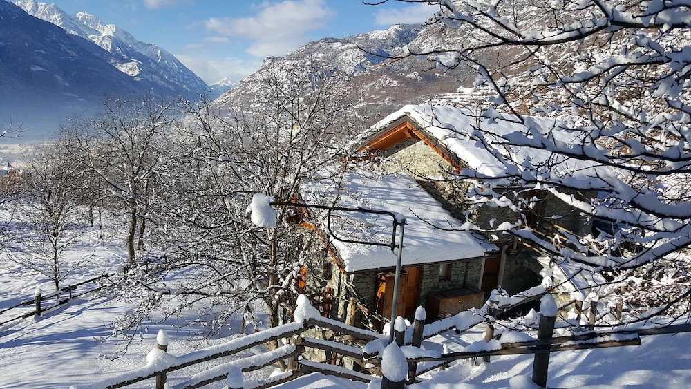 Bed & Breakfast Clapeon ( Saint-Vincent , Italy ) Tripoki.com