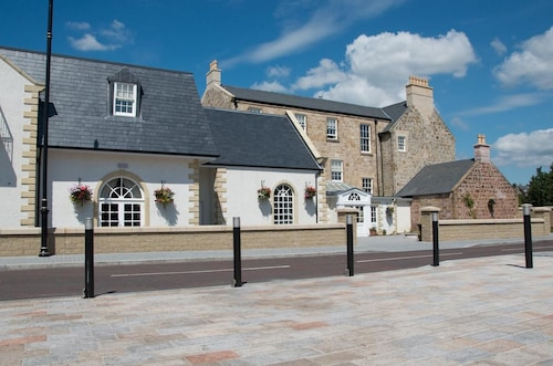 . Dumfries Arms Hotel
