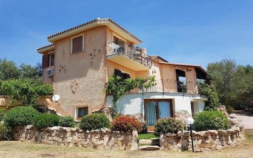 Villa Ludduì L, Nuoro
