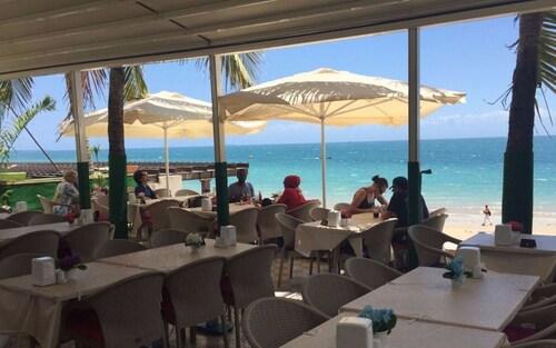 Al Bahr Hotel & Restaurant, Mjini