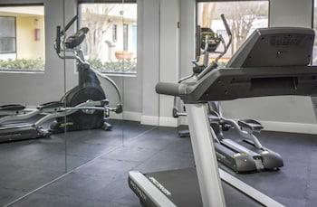 Gym at Econo Lodge Orlando Airport in Orlando