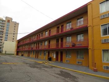 經濟型套房飯店 Budgetel Inn & Suites