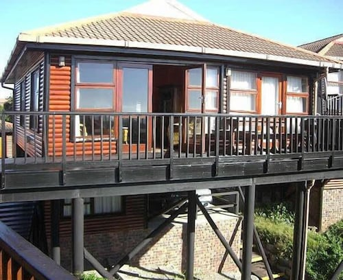 Houtbosch Bay Self-Catering, Cacadu