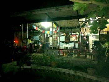 BUGOYBIKERS HOSTEL Front of Property - Evening/Night