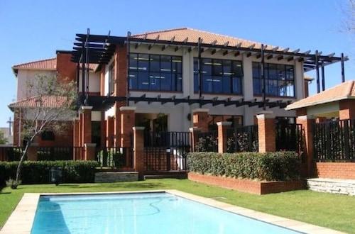 Modern Executive Penthouse All Amenities, City of Johannesburg