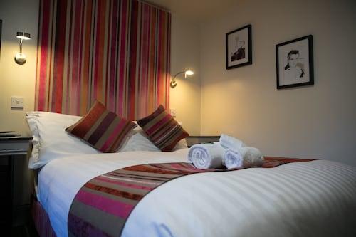 Siberia Bar & Hotel, Aberdeen