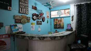8TH STREET GUESTHOUSE - HOSTEL Reception