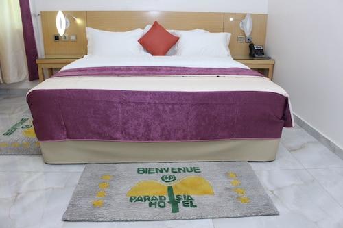 Paradisia Hotel, Abomey-Calavi
