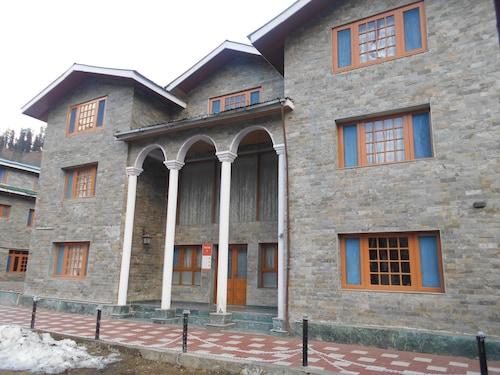 . Hotel Abshar