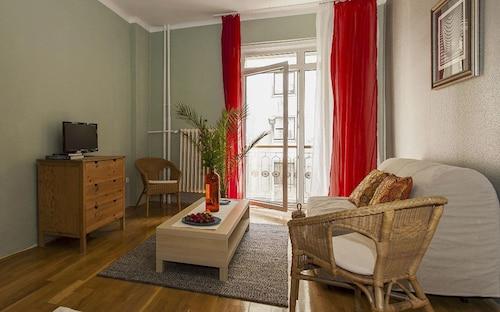 Aljotta Apartment, Budapesti