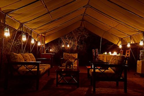 Base Camp Wilpattu, Nochchiyagama