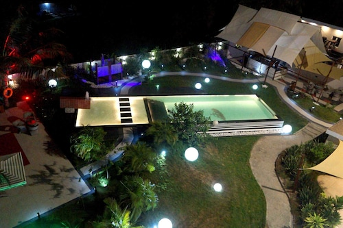 Red Mango Apartment Hotel, Shama Ahanta East