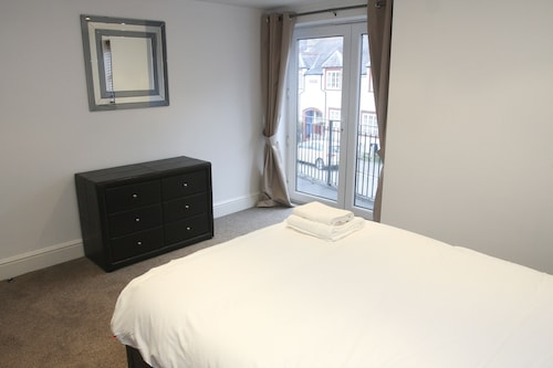 2 Bed Apt in Chorleywood. Near Station, Buckinghamshire