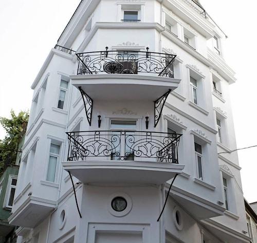 The White Swan Suites Beyoglu, Beyoğlu