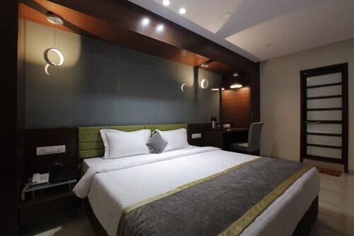 Hotel The Lotus Park, Ellisbridge, Ahmadabad