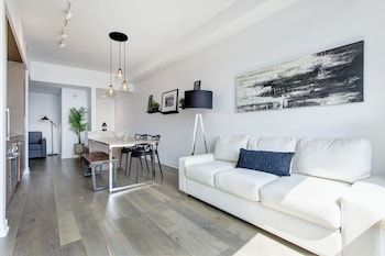 Bell Centre Apartments by Hometrotting photo