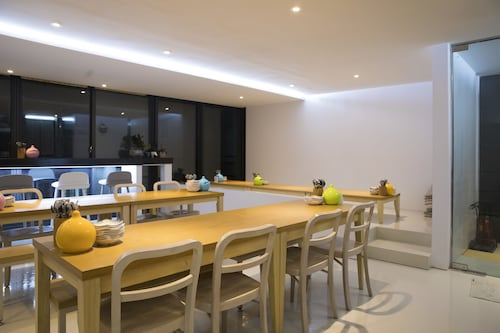302 Place, Suyeong